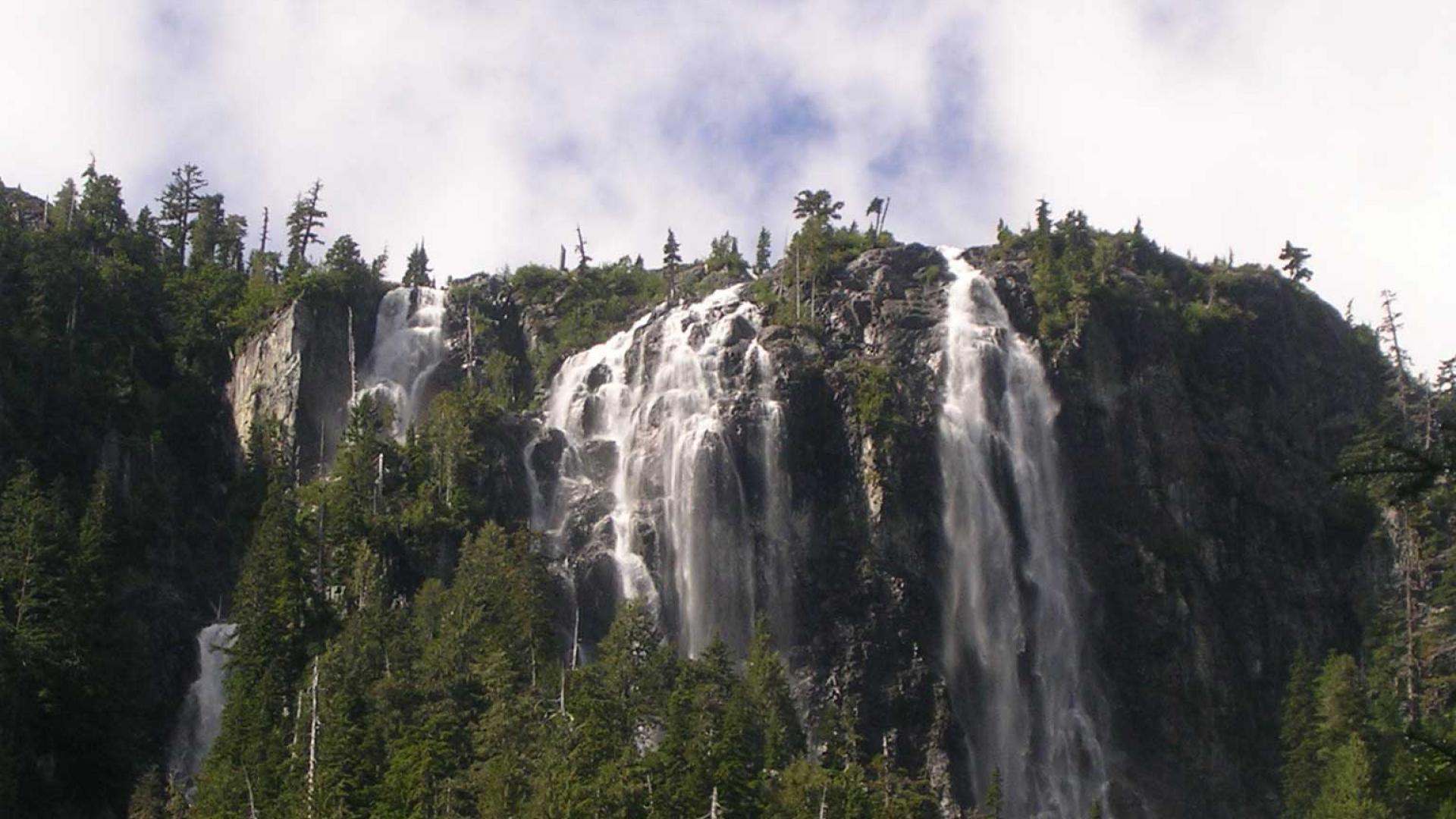 Canadian natural wonders | Della Falls