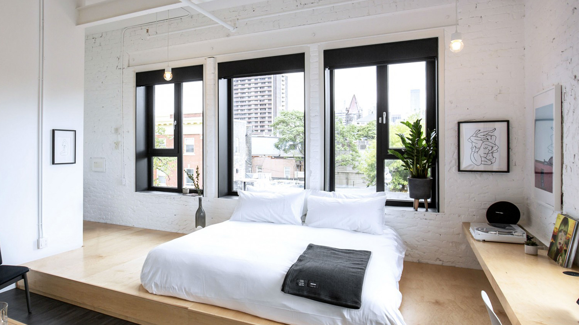 best hotels Toronto staycation | Suite at the Annex Hotel