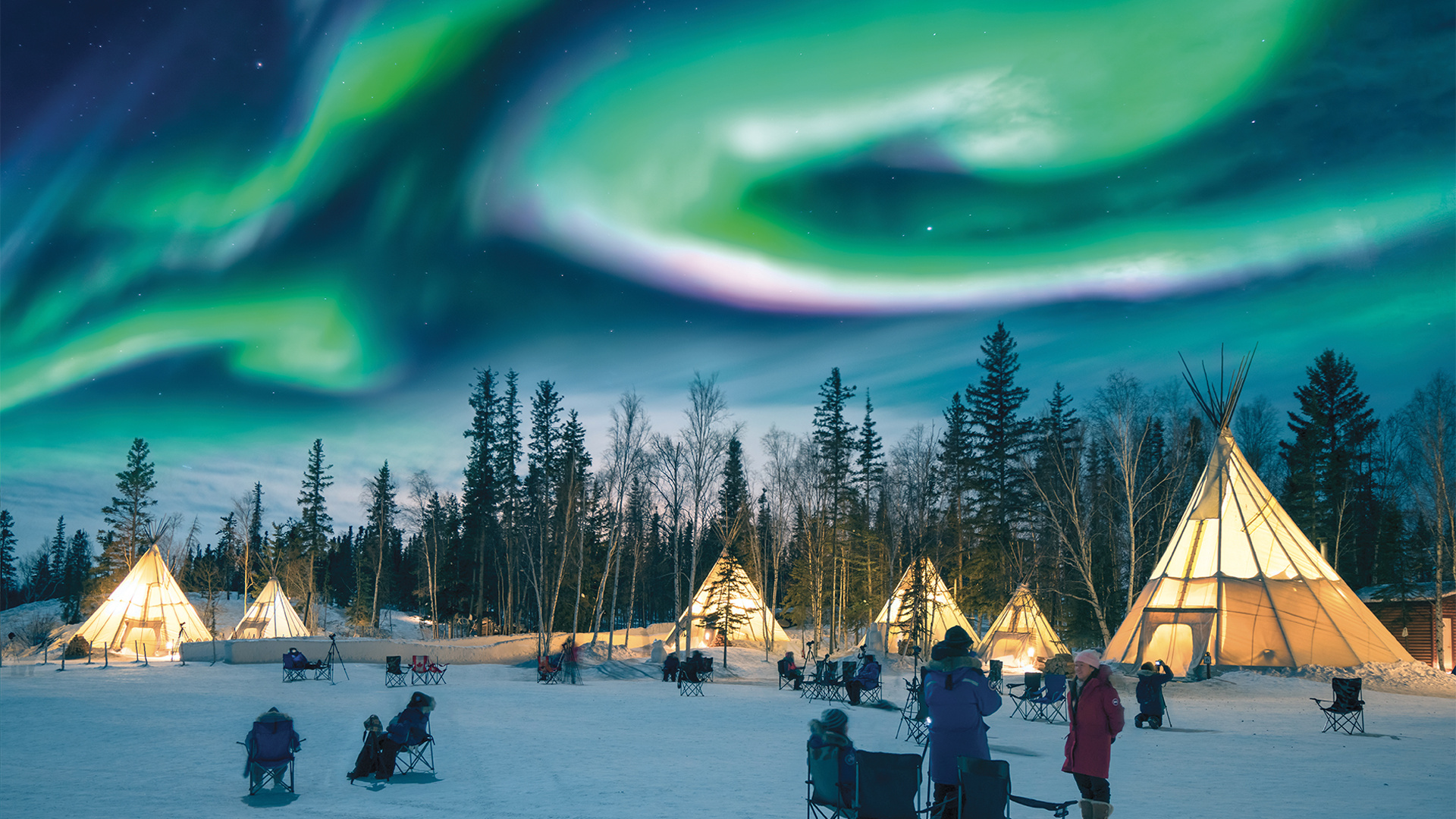 Aurora Borealis in Aurora Village, Yellowknife