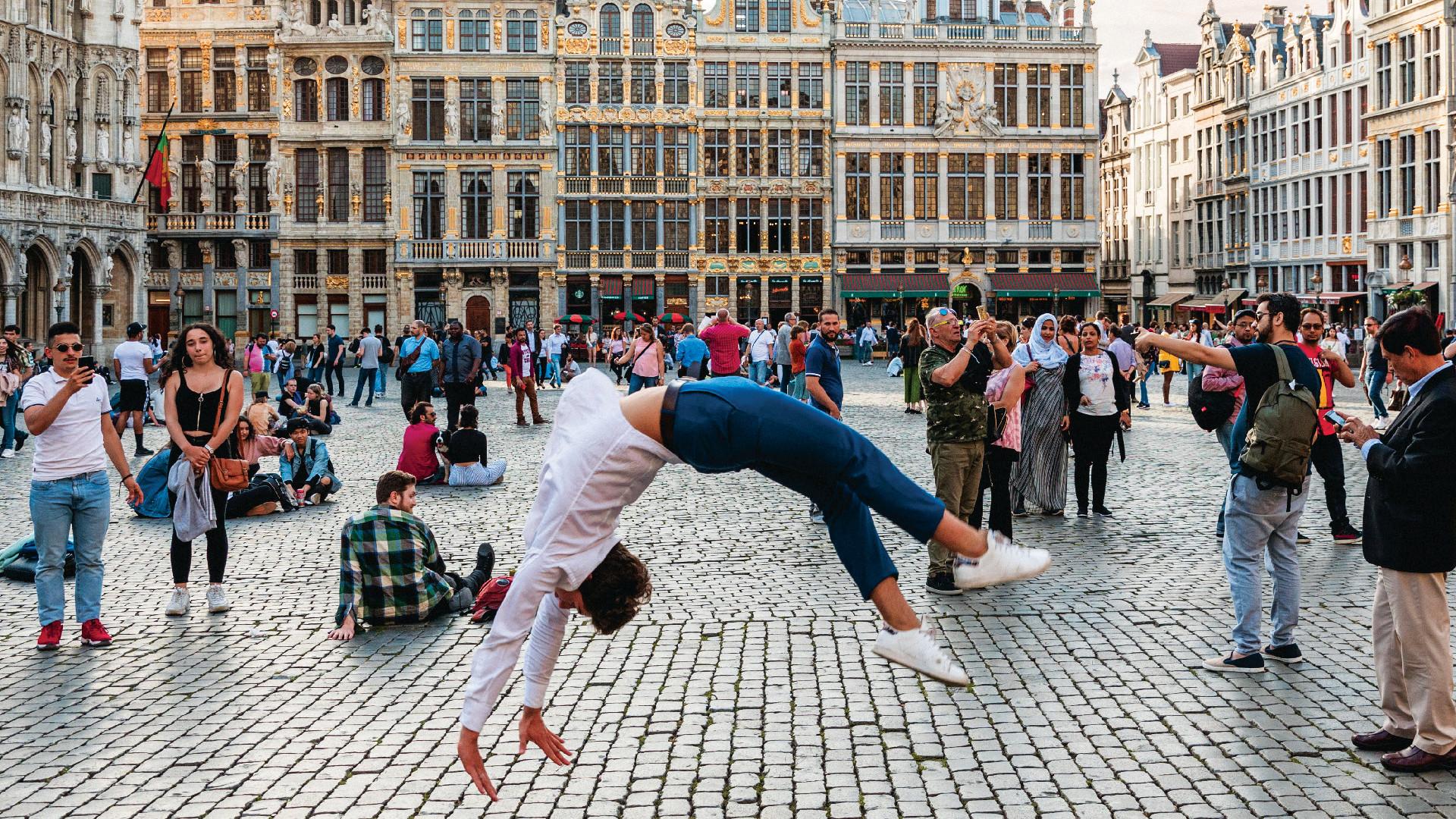 Street performer in Brussels, Belgium