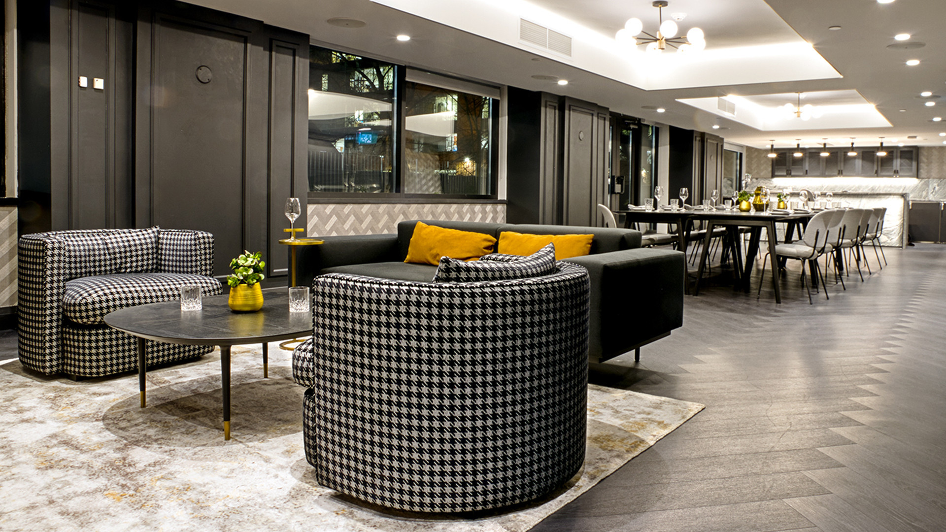 Best hotels Toronto staycation | The Anndore House lounge