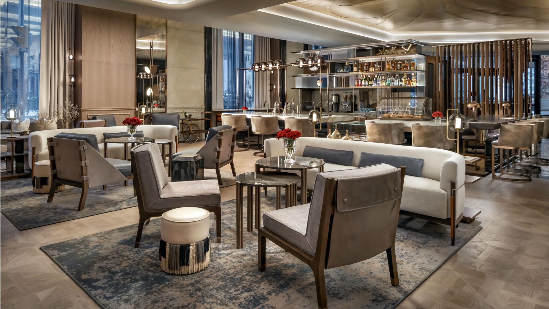 Best hotels Toronto staycation | The St. Regis Hotel lobby bar