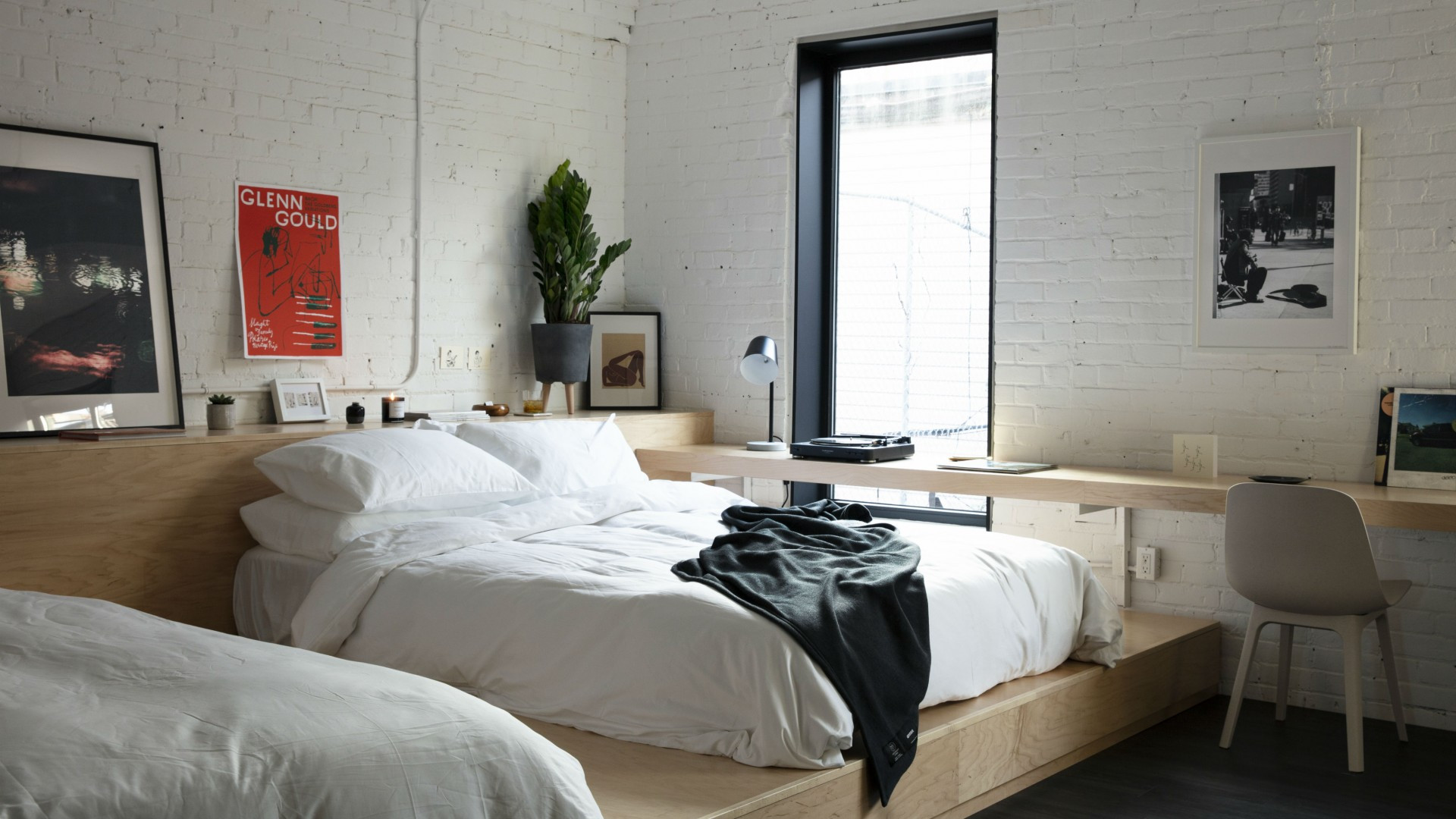Best hotels Toronto staycation | The Annex Hotel two bedroom suite
