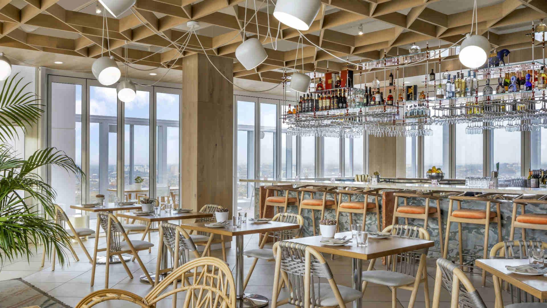 Best hotels Toronto staycation | The Bisha Hotel rooftop restaurant KŌST
