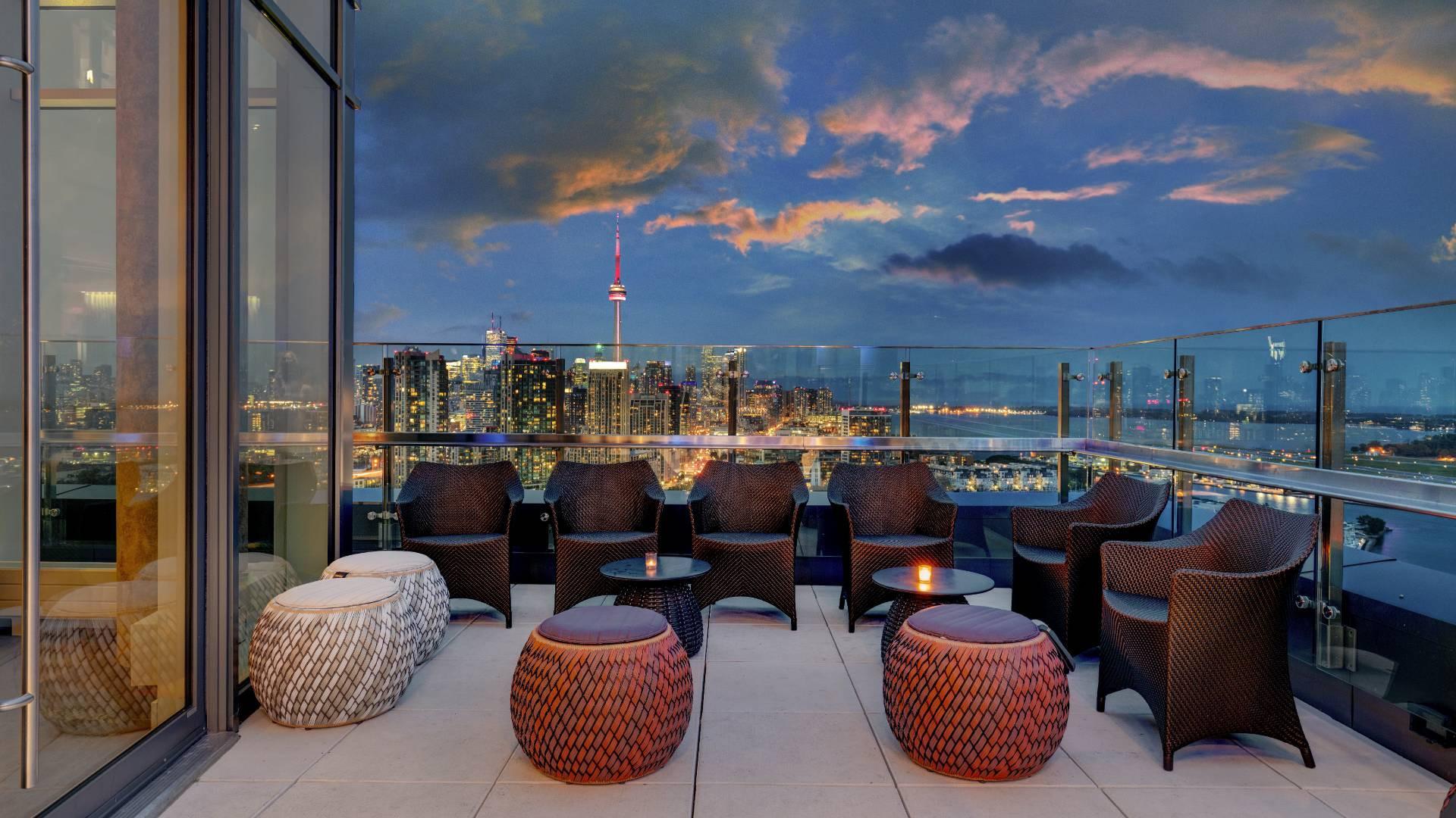 Best hotels Toronto staycation | Hotel X rooftop terrace