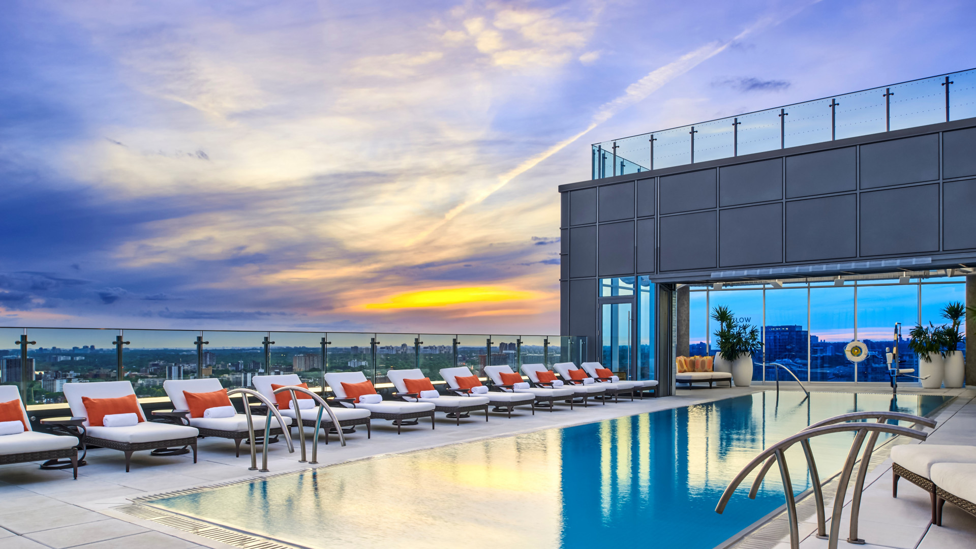 Best hotels Toronto staycation | Hotel X rooftop pool