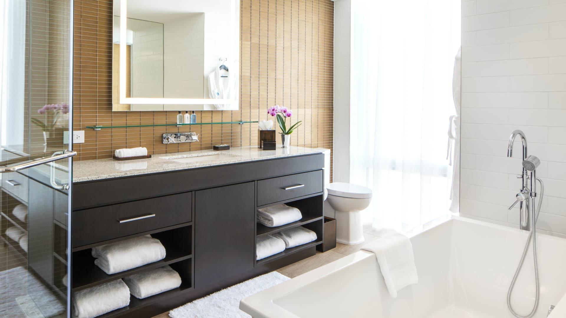 Best hotels Toronto staycation | Hotel X ensuite bathroom
