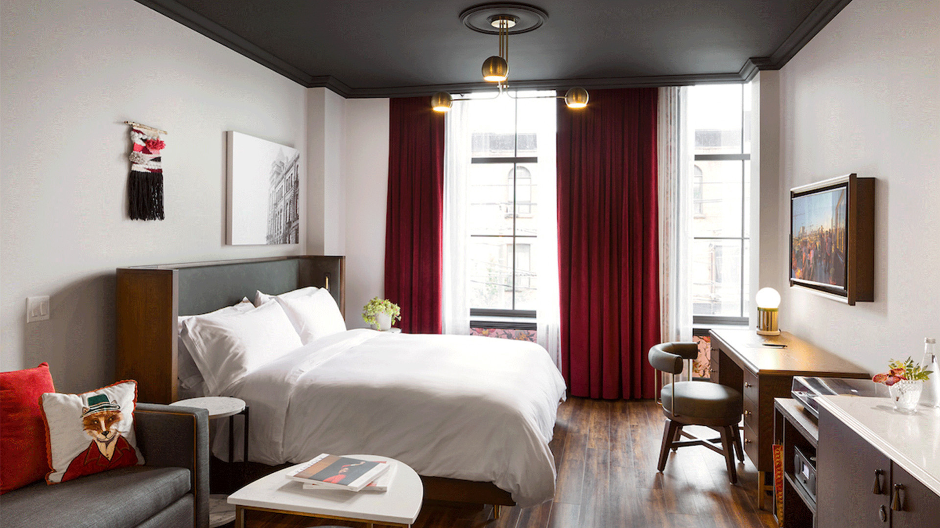 Best hotels Toronto staycation | The Broadview Hotel one bedroom suite
