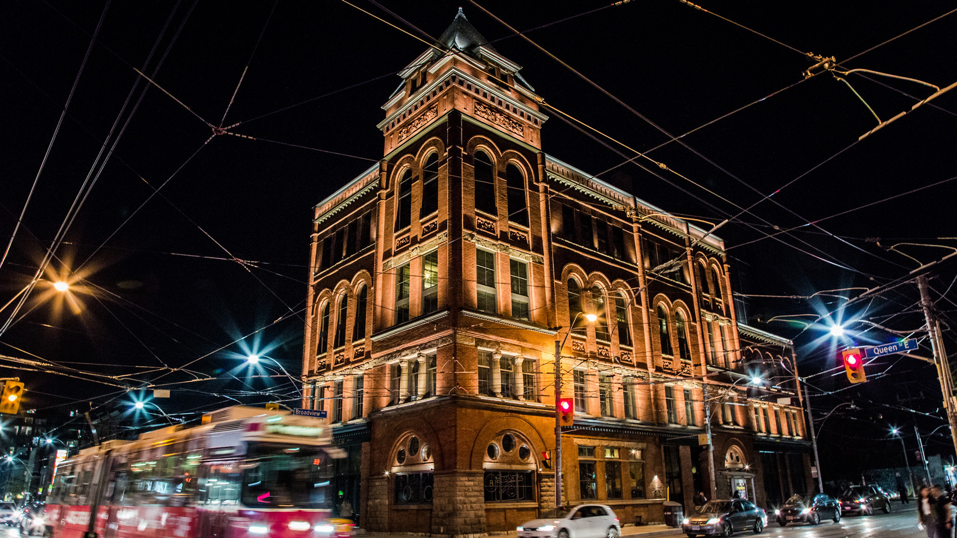 Best hotels Toronto staycation | The Broadview Hotel