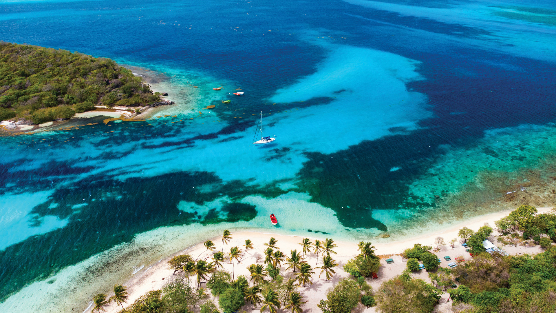 The blue seas of St Vincent & the Grenadines
