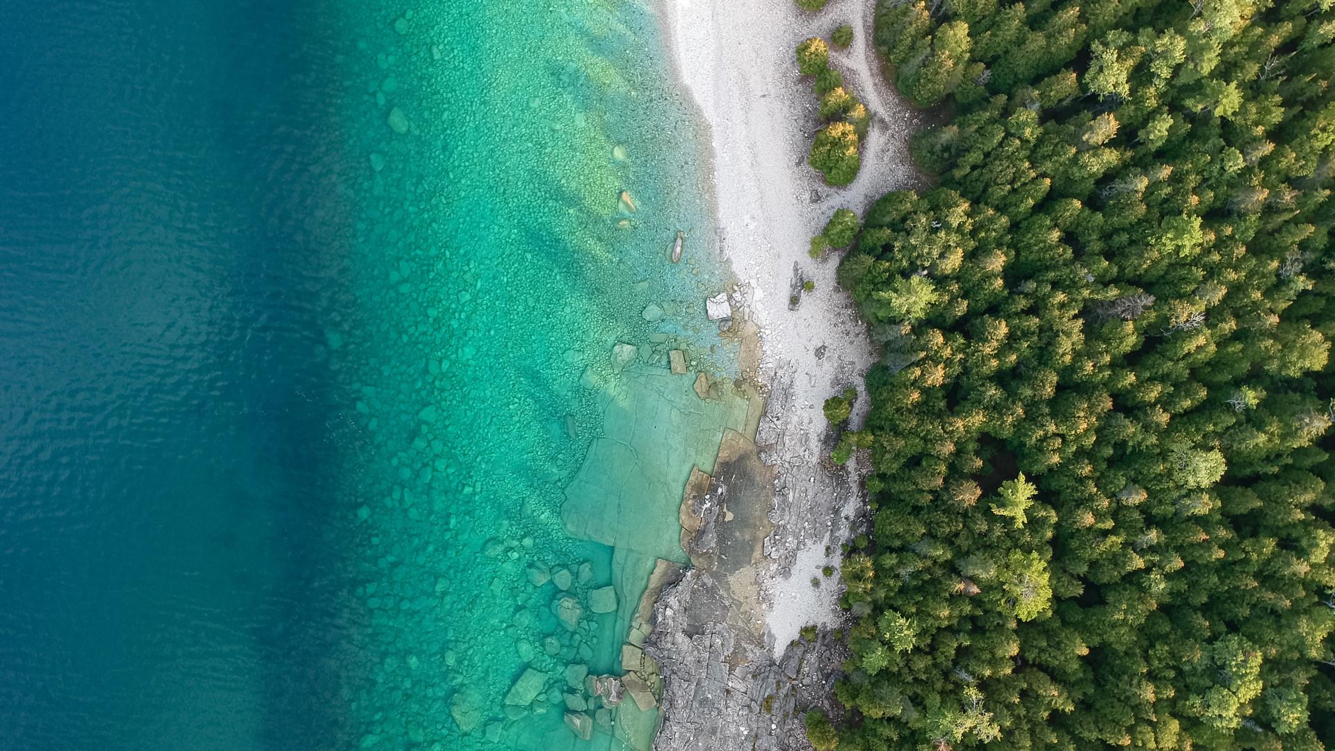 Breathtaking Ontario beaches | An overhead shot of the pristine shore along Georgian Bay