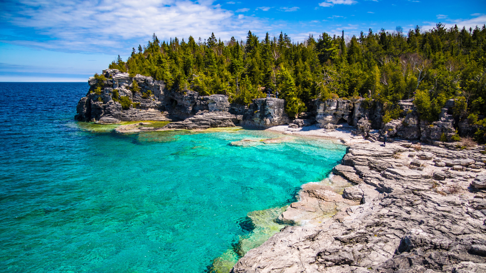 Breathtaking Ontario beaches | Indian Head Cove is home to turquoise blue waters