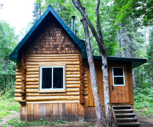 Ontario's coolest cabins to rent | The Singin' Ranger's Cabin in Whitney, Ontario