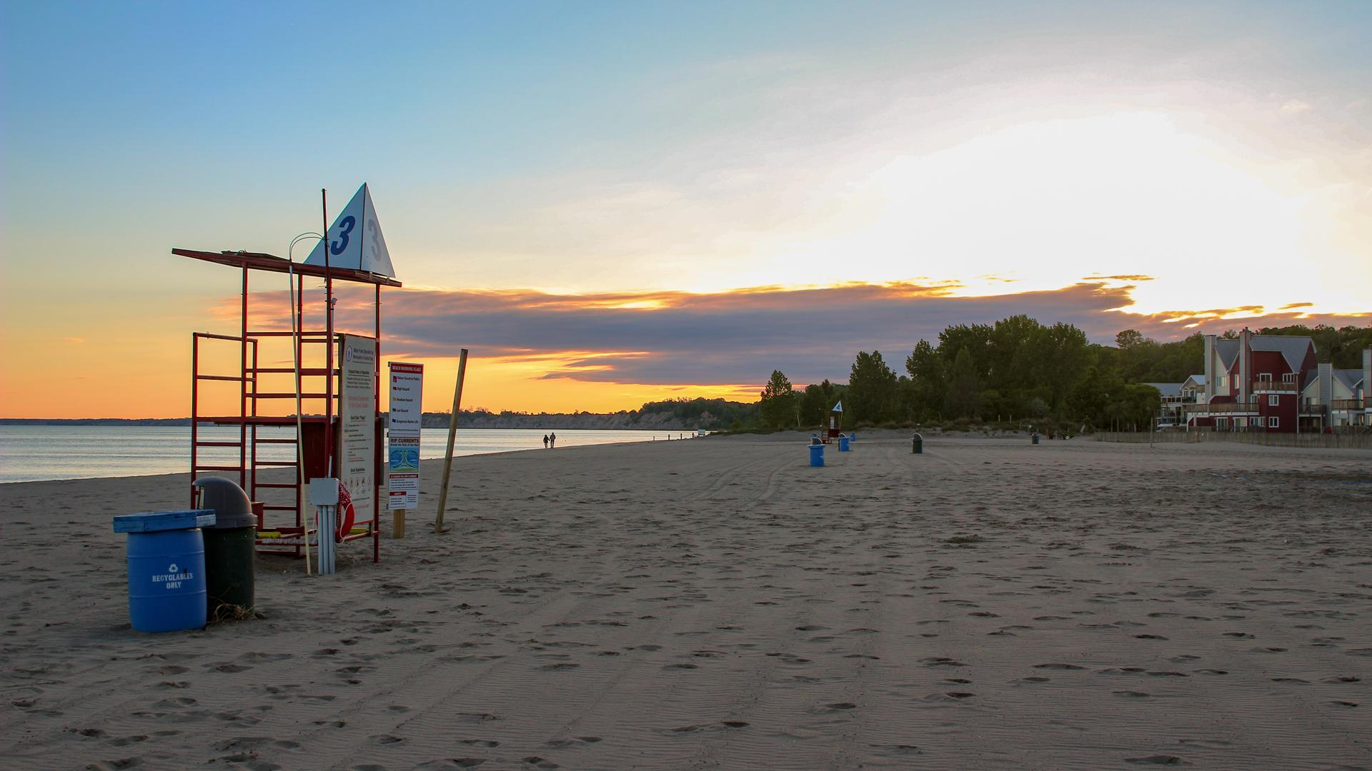Breathtaking Ontario beaches | Sunset at Port Dover beach